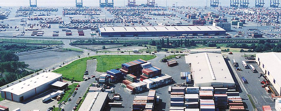 Weber&Heusser yarn stock at Bremerhaven seen from birds perspective; one out of several stocks for our european yarn trading business.